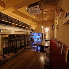 ワイン食堂 アラカキヤ A.LAKAKI-YAの雰囲気1