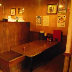 テーブル4人席×3 テーブル2人席×3