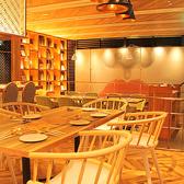 テーブル4名席はレイアウト自由★人数に応じてお好きにカスタマイズ!