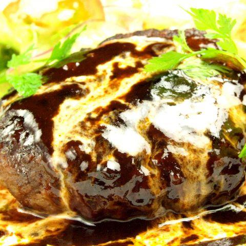 【横浜・日の出町】肉汁がジュワッ!旨みが溢れ出る肉料理を食べられるダイニングバー5選