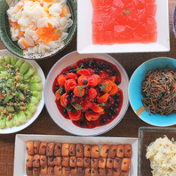 旬の野菜を中心に数々の自慢の創作料理が楽しめる!