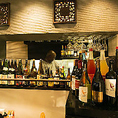 当店では、ダイニングバー感覚でお愉しみ頂けるよう、ドリンクも種類豊富にご用意!アジア各国のビールや、焼酎、カクテルなど多数取り揃えております♪中でもスパイスをふんだんに使用したエスニックな料理とワインとの組合せは格別です。当店は駅から徒歩1分と非常に便利。お仕事帰りにも是非ご利用下さいませ♪
