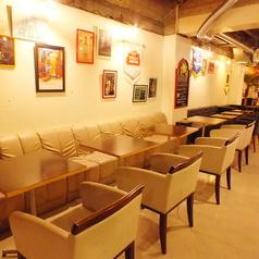 バルスペースはソファ席もあります!木屋町の夜を楽しむにはぴったり◎