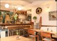 オーナーがこだわり抜いた空間です♪昼はカフェ、夜はバーとなってますのでご来店お待ちしております!