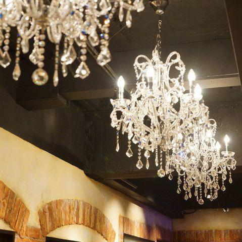 【完全個室】シャンデリア輝く店内!2名様~最大40名様まで各種完全個室ご用意!