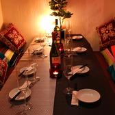 6名様用テーブル席★女子会やママ会、合コンなどの少人数飲み会におすすめです♪~個室居酒屋 ビアホール 宴会 飲み会 女子会 合コン 記念日 誕生日 デート 3時間 無制限 飲み放題 食べ放題なら肉バル×チーズフォンデュバル かすみや 新宿店~