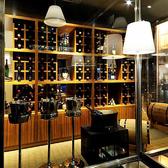 世界の銘柄ワインが豊富に眠るワインセラー。雪月花のお肉と相性抜群のワインの数々をご用意しております。