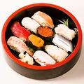 料理メニュー写真にぎり寿司 さくら盛り(10貫)