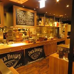 NYスタイルの店内はおしゃれなオープンキッチンです♪