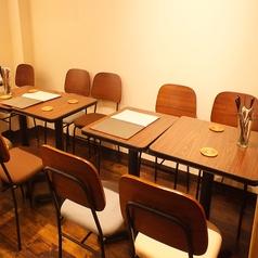 夜ごはんにおすすめのテーブル席!お二人でもお使いいただけます
