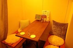 カーテンで仕切られた落ち着いた半個室は、女子会やデートなどにも最適です♪