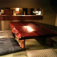 秘密の隠れ家の半個室。4名・5名様用。コースのお客様を優先させて頂きます。