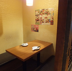 2名様用、扉の付いた完全個室です。