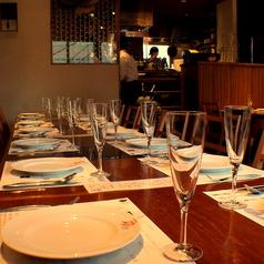 【3階フロア】テーブルを1列に繋げて入った感のあるご宴会を…♪