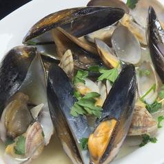 料理メニュー写真アサリとムール貝のワイン蒸し