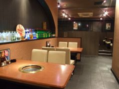 上野手 焼肉店の雰囲気1