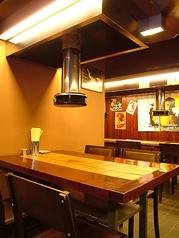 清潔感あるテーブル席は4名掛けが2テーブルあります!