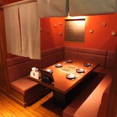 ご家族やご友人同士の集まりに◎ゆっくりと語りながらお食事を楽しめます。最大24名迄の個室もございます!その他にも少人数から大人数でのご宴会にご利用いただけるお席が多数ございますので、お気軽にお問い合わせくださいませ。女子会・合コン・会社宴会なら甘太郎 川越店へ!