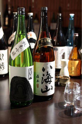 日本酒の有名銘柄はもちろん他では中々味わえない珍しい銘柄まで多数ラインナップ