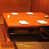 人数に合わせて変更可能な掘りごたつ式個室席
