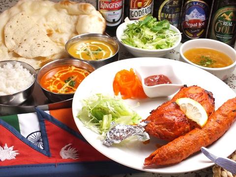 ベテランシェフによる本格インド料理が味わえる☆