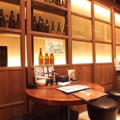 【2名テーブル】!どこか落ち着く雰囲気の半個室空間もご用意しております。