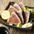 料理メニュー写真藁焼きカツオのたたき(小)