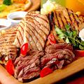 料理メニュー写真肉肉肉プレート