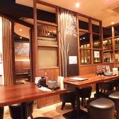 12【12名テーブル】出張の際や、仕事帰りにサクッと、忘新年会など各種宴会にピッタリ!どこか落ち着く雰囲気の半個室空間もご用意しております。