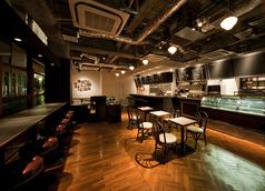 Bar Vita バールヴィータ 中洲店の雰囲気1