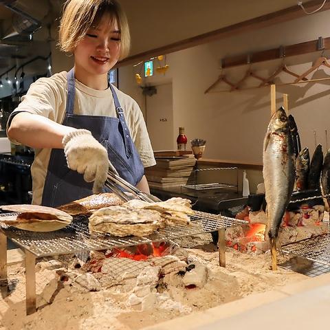 こだわりの選魚と炉端焼き、イタリア料理人が振る舞う絶品料理をお愉しみ下さい。