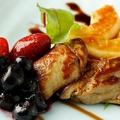 料理メニュー写真フランス産 フォアグラとフルーツのソテー