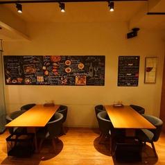 4名様掛けテーブル席×2