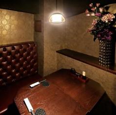 雰囲気◎のデート向けの席です。女の子とスタイリッシュに焼酎を愉しむ。