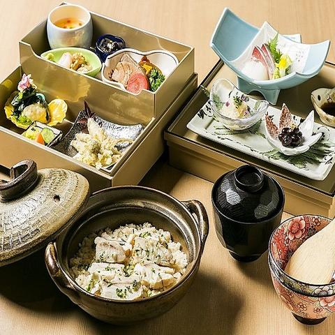 天然真鯛の鯛めしと旬の御料理を和空間で落ち着いた時をお過ごし下さい。接待や会食に