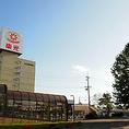 【その1】駅についたら西口へ出る。バス停は北広島駅西口にあります。西口は、降りた際に左側に東光ストアが見える方です。