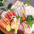 料理メニュー写真日向灘獲れの新鮮な鮮魚の刺し盛!!