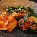 料理メニュー写真自家製白菜キムチ/オイキムチ/カクテキ