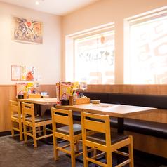 【小伝馬町】広い空間でのテーブル席★人数様に合わせたお席をご用意致します! <焼き鳥/居酒屋/宴会>