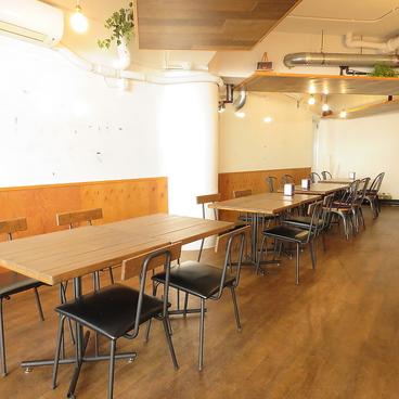 SALON CAFE&BAR ToiToiToiの雰囲気1
