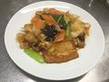 料理メニュー写真揚げ豆腐と野菜豚肉辛味炒め