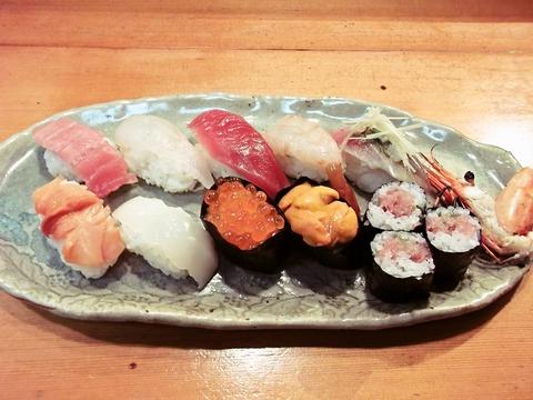 落ち着いた和の空間で、美味しいお寿司をゆっくりと楽しんでほしい。