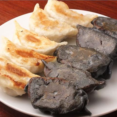 餃子と肉と酒 アモーレアモーレ