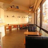 SALON CAFE&BAR ToiToiToiの雰囲気2