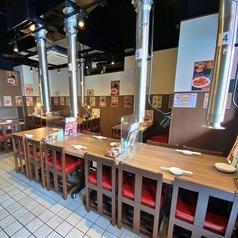 本店の客席数は、テーブル席30席。別館の堀炬燵数は30席。計60席。たくさんのお客様をお迎えできる店舗です。