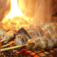 炭火で焼く焼き鳥もブランド鶏「信玄鶏」を毎朝捌き提供