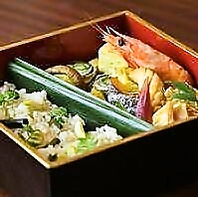 寛ぎの空間で愉しむ『お昼膳』と『和食コース』。
