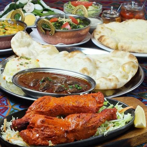 麻布に本店を構えるインド料理スーリヤ。メディアにも多数とりあげられています。