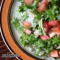 料理メニュー写真トマトとパクチーのサラダ