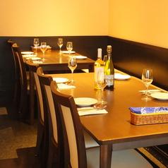 6人掛けのテーブル席は広々としていて少人数でのお食事にもピッタリ!